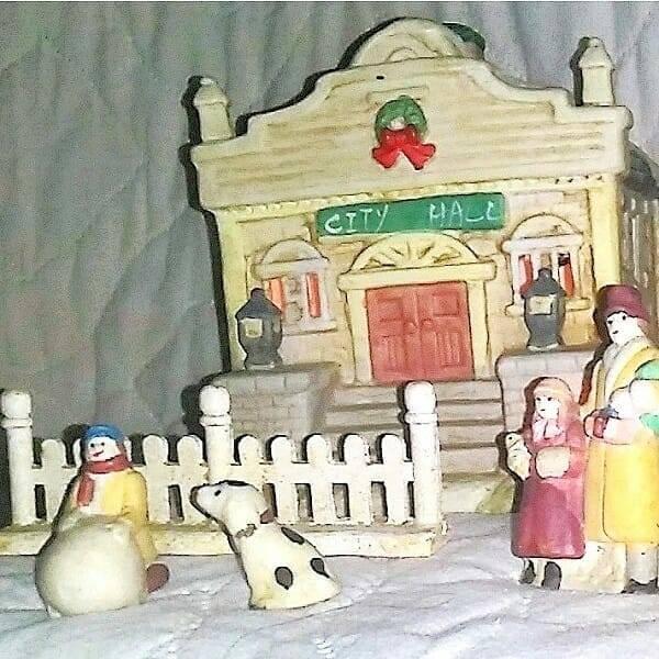 60s Ceramic Holiday Villiage pic 3