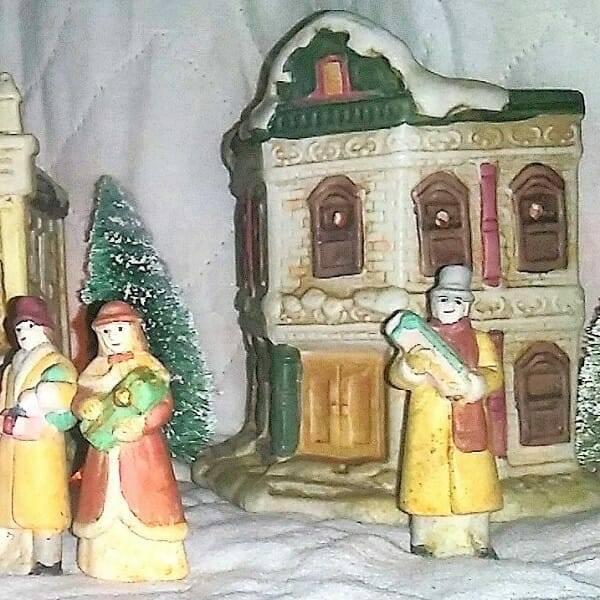 60s Ceramic Holiday Villiage pic 4