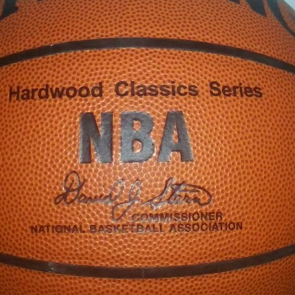 Lakers Win 2001 Basketball NBA close up