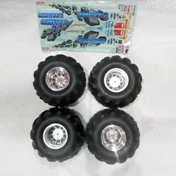 F350 Monster Truck Model Kit tires
